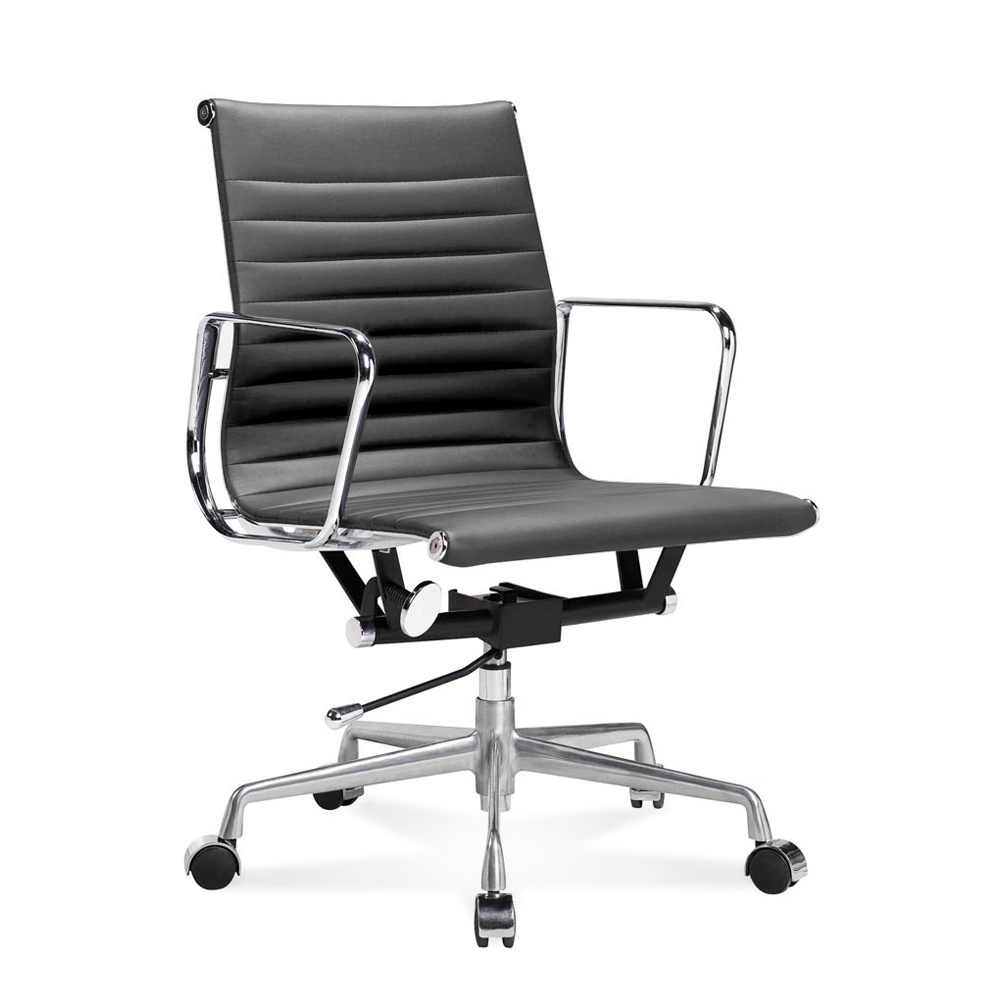 Ea 117 eames half height office chair with ribbed leather for Eames ea 117 nachbau