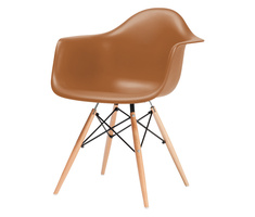 Charles and Ray Eames DAW Stuhl